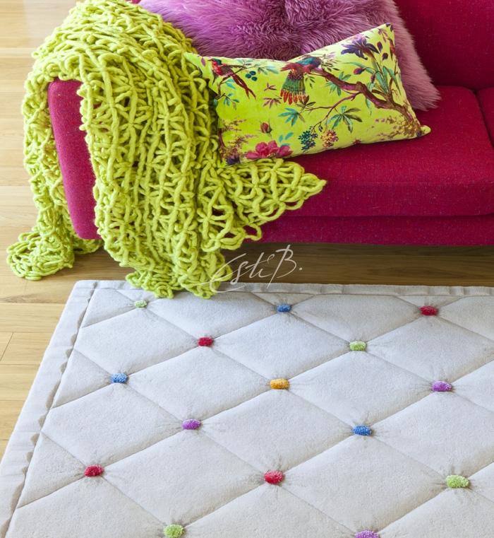 Embed rug