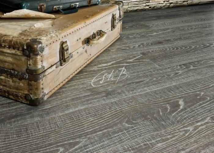 European oak hand-sawn boards