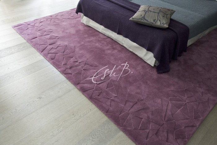 Everest rug by Topfloor in Aubergine colour