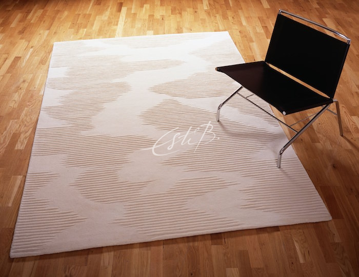 EZ-PZ rug in neutral colourway on wooden floor